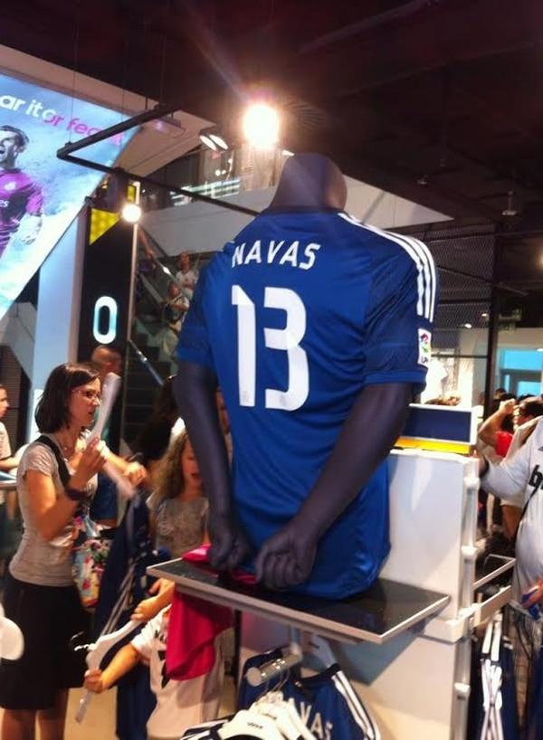 Navas vestirá las camiseta 13 en el Real Madrid.