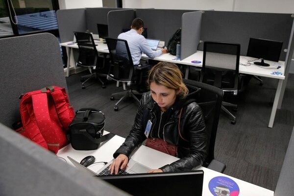 Natalie Meza prefiere tener un espacio personal para trabajar, gracias a ello se concentra mejor. Fotos: Mayela López.