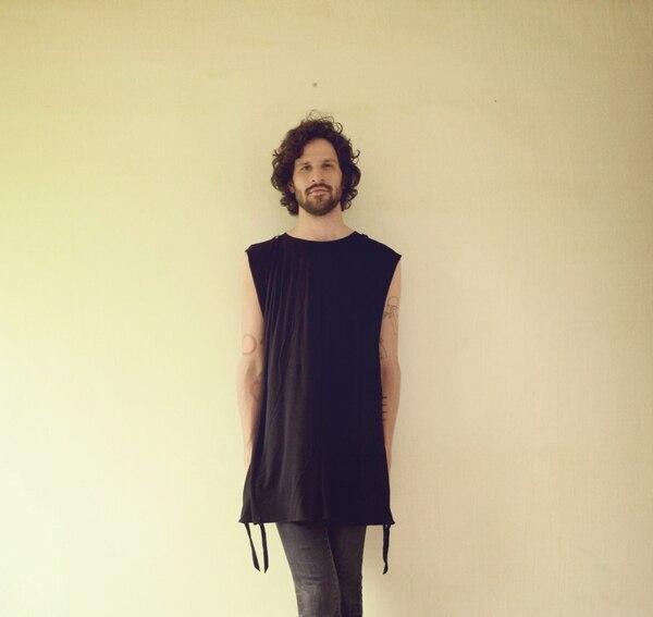 Javier Arce, de 27 años, ha editado un EP y tres discos con Cocofunka y un álbum como solista. El compositor regresó a su trabajo en solo con el sencillo 'Clavel', publicado en agosto del 2016.