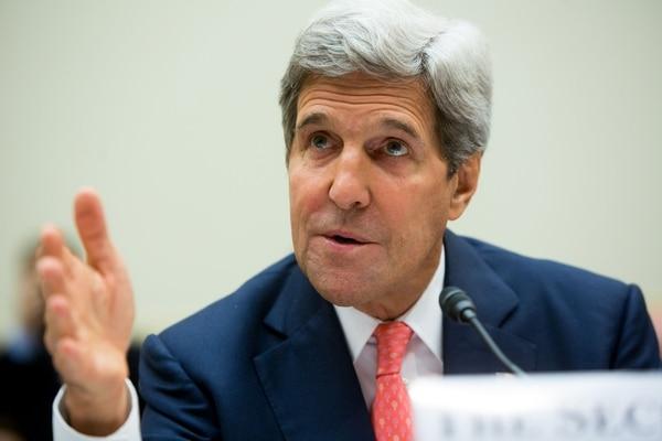 En comparecencia ante el comité de Asuntos Exteriores de la Cámara de representantes, John Kerry, indicó que cuentan con evidenciade que Assad usó cloro cuyo uso, a pesar de que no esta incluido en la lista, está prohibido bajo la Convención de Armas Químicas.