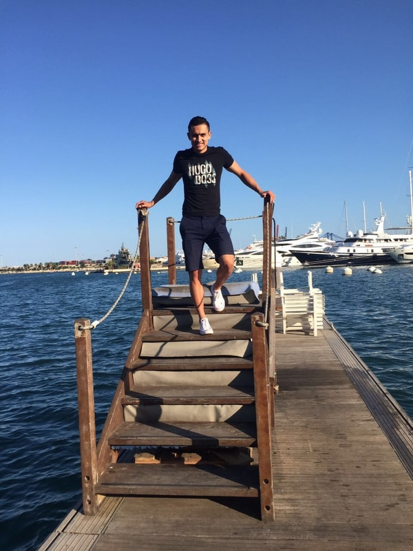 El pueblo donde reside Cubero queda a 45 minutos del Mar Mediterráneo.
