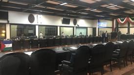 Diez diputados faltaron a casi una quinta parte de sesiones de plenario
