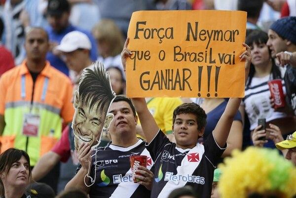 Un aficionado mostró su apoyo a Neymar con este rótulo ayer durante el partido entre Argentina y Bélgica, en el Estadio de Brasilia. | AFP