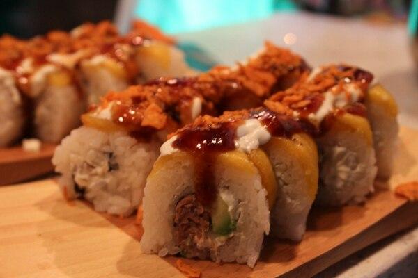 El rollo de sushi Fajita Roll es una de las preparaciones con que se inició este emprendimiento gastronómico.
