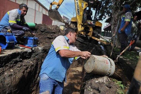 Unos 2.300 trabajan en operación y mantenimiento de los sistemas. El resto trabaja en áreas de apoyo. | ARCHIVO.