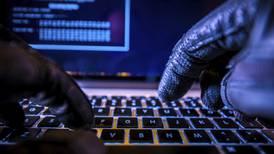 Firma digital: El 'trámite' preferido de los estafadores para limpiar cuentas bancarias de sus víctimas
