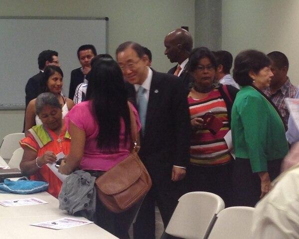 El secretario General de la ONU, Ban KI-moon se reunió este miércoles con representantes de los pueblos indígenas en el Museo de Jade.