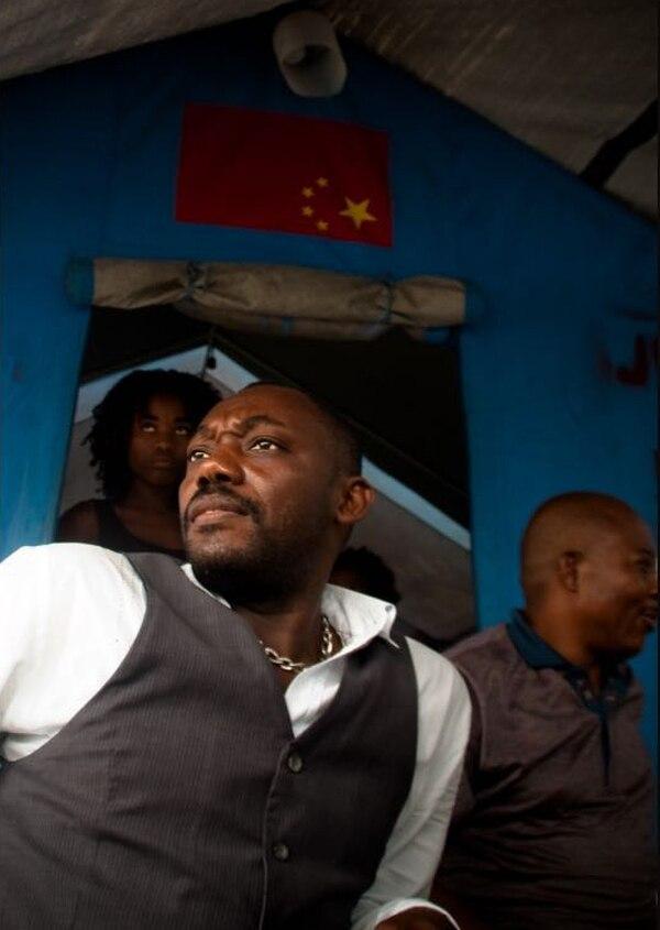 Puerto Príncipe, Haití: Retrato de un aspirante político. Desde antes del terremoto, en el 2010, Haití estaba sumido en una crisis política, social y económica. Con el sismo y la destrucción que generó, el país quedó sumido en el caos.