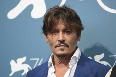 Johnny Depp llama a defenderse de las injusticias tras rechazo en Hollywood
