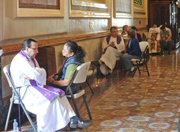 La fe católica propicia con las confesiones la búsqueda de la conversión.