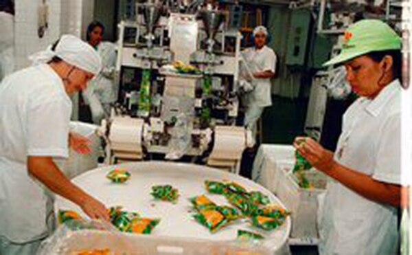 La industria --dentro de ella la alimentaria-- es el sector con mayor potencial para la exportación a los mercados centroamericanos.