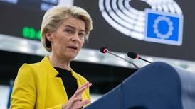 La UE advierte a Hungría por la legislación que afecta a la comunidad LGTB