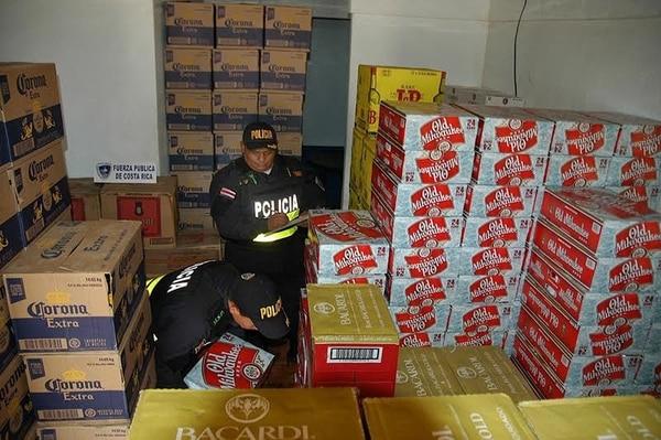 La estrategia de atacar a bandas organizadas que se dedican al contrabando permitió aumentar el volumen de decomisos. Los operativos se coordinan entre la Policía de Control Fiscal y la Fuerza Pública.