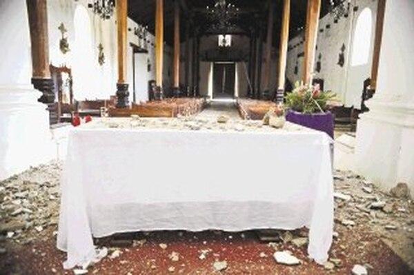 Sismo del 5 de setiembre dañó iglesia colonial de Nicoya. | EYLEEN VARGAS.
