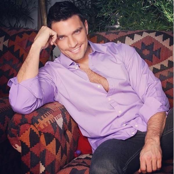 Julián Gil, actor argentino quien recientemente ha sido noticia por la polémica entre él y Marjorie de Sousa por su pequeño hijo, podría ser el protagonista de la serie 'El Terco'.