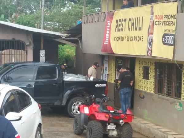 Tres hombres fueron asesinados dentro del bar– restaurante Chuli, en Santa Cecilia de La Cruz, Guanacaste. Foto: Cortesía