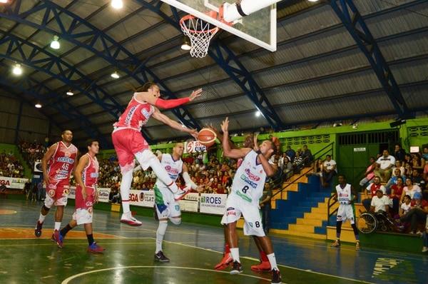 Coopenae San Ramón ganó el primer partido de la final del Torneo de Clausura a Súper Cable Grecia por marcador de 70 a 62.