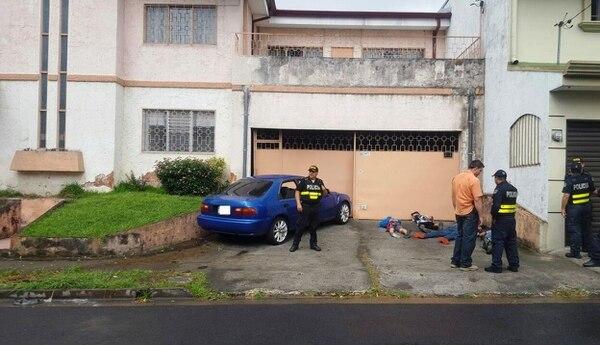 La rápida acción de la Policía permitió la captura y remisión a la Fiscalía de cuatro sujetos armados, sospechosos de asaltar a un peatón.