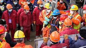 Nueve de últimos 10 mineros atrapados en China encontrados sin vida