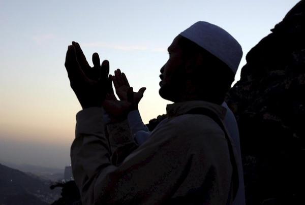 El islam será la religión con un mayor crecimiento mundial en las próximas cuatro décadas, por lo que, si las tendencias continúan, casi alcanzará al cristianismo en número de creyentes confesos para el año 2050, según un nuevo estudio del Centro de Investigaciones Pew publicado este jueves.