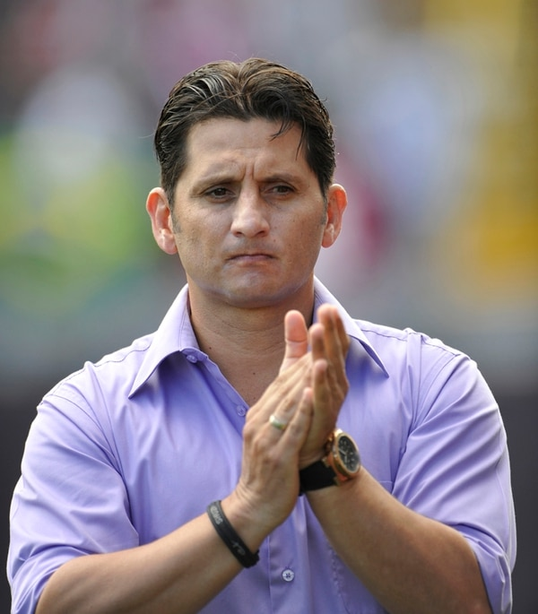 Rónald González, técnico del Saprissa