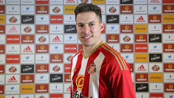 Bryan Oviedo es nuevo jugador del Sunderland.