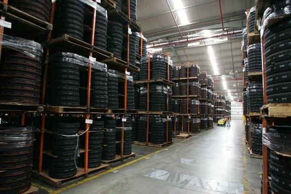 Las llantas son uno de los productos que Costa Rica exporta a Colombia. | ARCHIVO