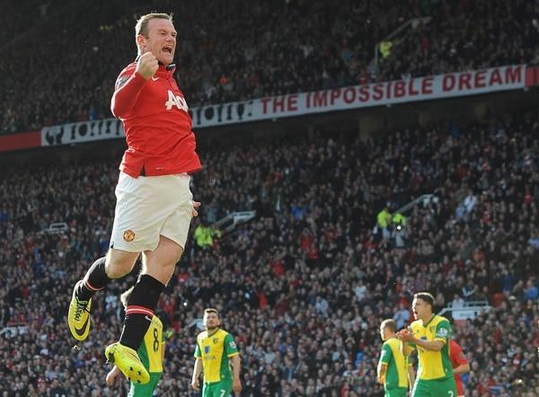 Wayne Rooney abrió las cuentas con un gol desde el punto de penal y desató la euforia en el Old Trafford, cargado de ilusión e incertidumbre tras la llegada del legendario Ryan Giggs al banquillo del Manchester United. | EFE