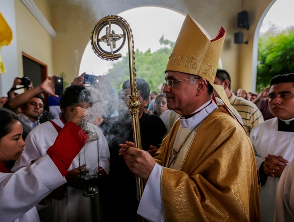 El obispo, Silvio José Báez Ortega, ofició su última misa en la iglesia del Santo Cristo de Esquipulas, en Managua, el domingo 21 de abril del 2019. Foto: AFP