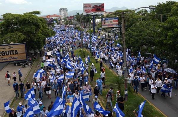 Manifestantes nicaragüenses de la oposición participaron este jueves en una marcha nacional llamada