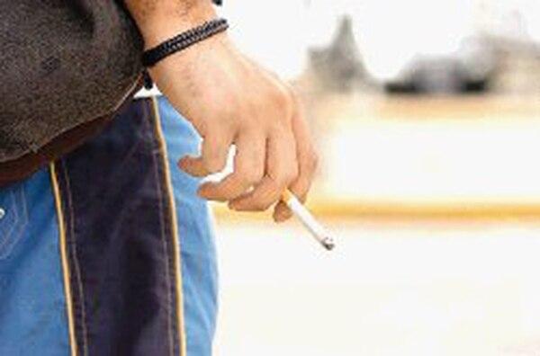 El tabaco contiene sustancias químicas que no son dañinas para la salud por separado, pero que, al estar unidas dentro de un mismo cigarrillo, son perjudiciales.