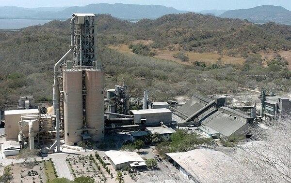 Parte de las instalaciones de la empresa Cemex localizadas en Colorado de Abangares; provincia de Guanacaste.