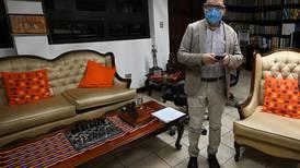 Fiscal anticorrupción destituido en Guatemala abandona el país para 'resguardar su vida'