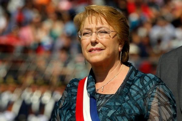 La presidenta de Chile, Michelle Bachelet, participa en la celebración del 206 aniversario de la independencia nacional, el 19 de setiembre en Santiago.