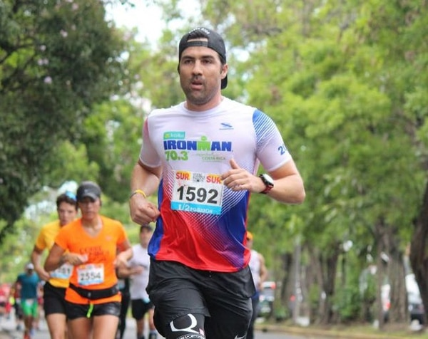 Esteban Méndez también ha practicado triatlón, pero asegura que el proceso de maratón es diferente, por su exigencia. Foto: Cortesía Andrés Méndez
