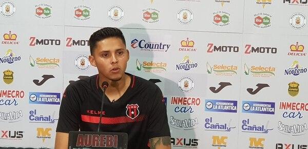El guardameta Keilor Díaz debutó con Alajuelense en la Copa Premier Centroamericana, en 2018, donde jugó frente al Real España de Honduras y el Alianza de El Salvador, pero no llegó a disputar un juego en la máxima categoría con los rojinegros. Fotografía: Fanny Tayver