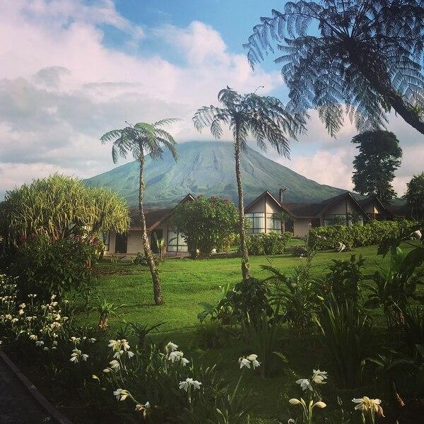 El volcán poco a poco se fue dejando ver conforme avanzó la tarde