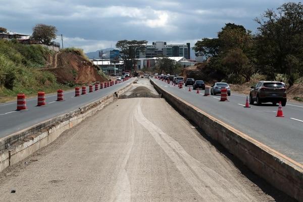 14/03/2019 Las obras de ampliación para la circunvalación norte avanzan sobre la ruta 32 cerca del puente de Llorente de Tibas. foto Alonso Tenorio