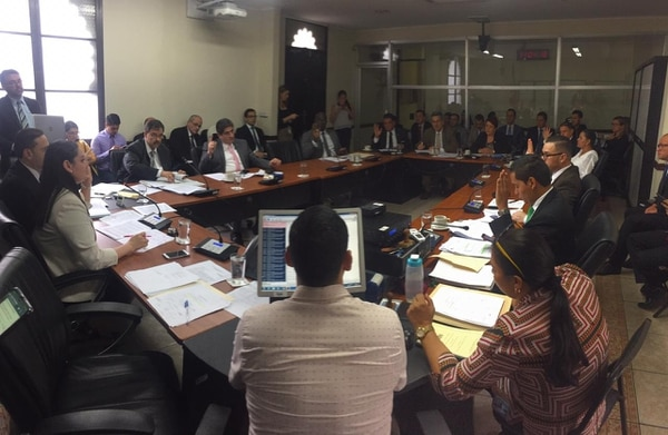 La Comisión de Hacendarios dictaminó afirmativamente el Tercer Presupuesto Extraordinario. Foto: A. Sequeira.