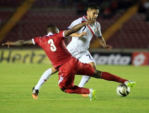 Elías Aguilar en un juego de la Sele ante Panamá. | EFE