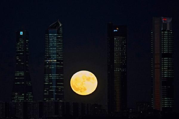 La superluna en España