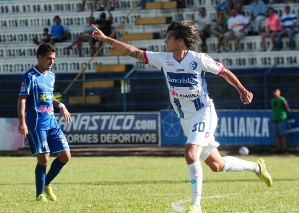Hernández marcó el gol del empate brumoso ayer. | JOHN DURÁN