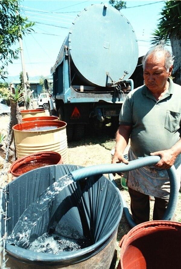 Ninguna empresa puede cobrar por el uso de cisternas. | ARCHIVO.