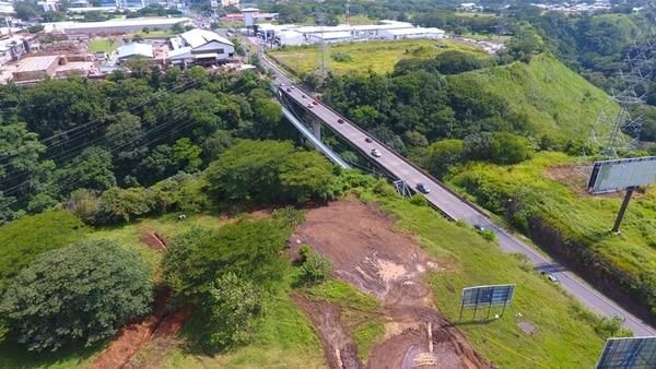 La ampliación del puente sobre el río Virilla en la radial a Lindora es una de las cinco obras que tiene a cargo la agencia de la Organización de las Naciones Unidas. | WARREN CAMPOS