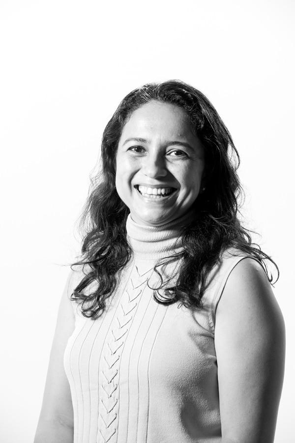Rebeca Bolaños, productora ejecutiva, tallerista. Luis Navarro.