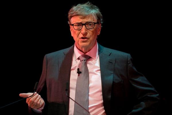 El cofundador de Microsoft, Bill Gates ha insistido en la necesidad de masifica la creación de vacunas contra el covid-19.Foto: AFP.