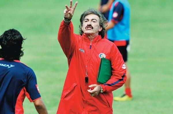 Ricardo La Volpe se fue de la Selección Nacional luego de la Copa América del 2011. Espera publicar un libro de futbol el otro año. | ARCHIVO GN
