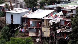 Pandemia golpea con más fuerza a distritos más pobres: registran 4 de cada 10 contagios