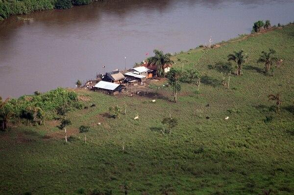 La Presidencia mostró fotos, años atrás, para probar los ingresos de nicaragüenses en isla Calero. | ARCHIVO