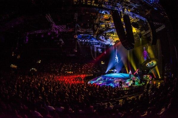 Ver Espect Culo Del Cirque Du Soleil Y Soda Stereo Costar
